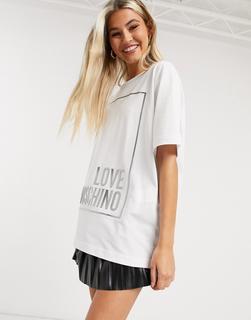 Love Moschino - T-Shirt mit Metallic-Logobox in Weiß