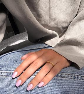 ASOS DESIGN - Ring aus vergoldetem Sterlingsilber mit Regenbogen-Kristallen