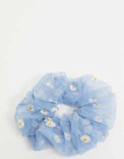 ASOS DESIGN - Supergroßer Haargummi in Babyblau mit Gänseblümchen-Stickerei