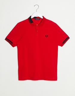 Fred Perry - Rotes Polohemd mit abstraktem Kontraststreifen-Design