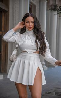 PrettyLittleThing - Petite White Cropped Blouse, White