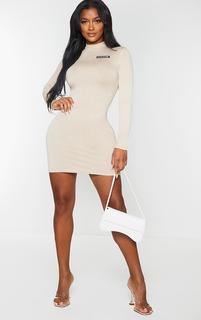 PrettyLittleThing - Shape Stone Jersey Badge Detail Bodycon Dress, White