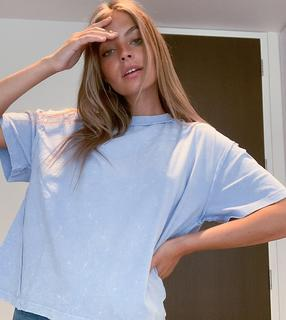 ASOS Petite - ASOS DESIGN Petite – Oversize-T-Shirt mit sichtbaren Nähten in verwaschenem Blau