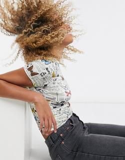 Topshop - T-Shirt mit Schmetterlingsmuster-Mehrfarbig