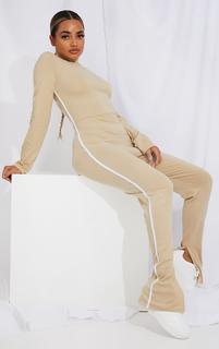 PrettyLittleThing - Petite Stone Sports Stripe Split Hem High Neck Jumpsuit, White
