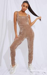 PrettyLittleThing - Mocha Ribbed Velour Square Neck Jumpsuit, Brown