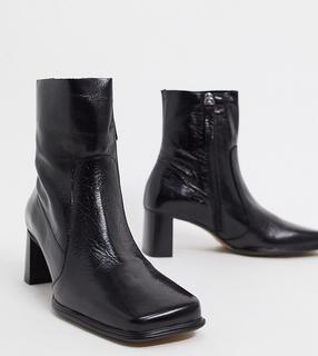ASOS DESIGN - Wide Fit – Roisin– Schwarze Stiefel aus hochwertigem Leder mit eckiger Zehenpartie