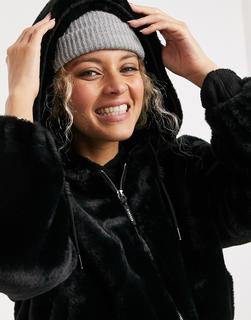 Bershka - Schwarze Jacke aus Kunstpelz mit kurzem Schnitt