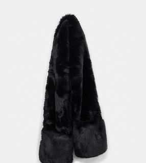 Glamorous - Exklusiver, übergroßer Schal aus Kunstpelz in Schwarz