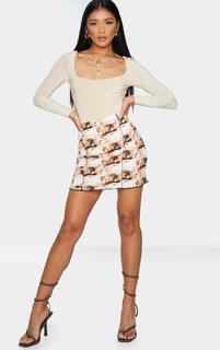 PrettyLittleThing - Renaissance Print Contrast Seam Mini Skirt, Brown