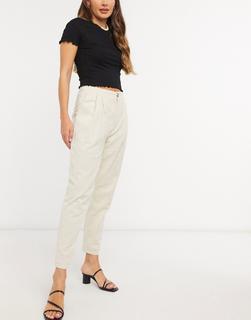 In The Style - x Lorna Luxe – Plissierte, voluminöse Hose in Creme-Cremeweiß