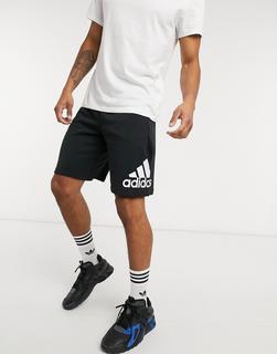 adidas Performance - adidas – Training – Shorts mit großem Logo in Schwarz