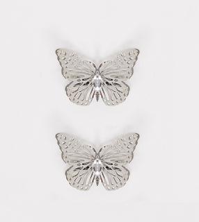ASOS DESIGN - Silberfarbene Haarspangen mit großen Schmetterlingen im 2er-Pack