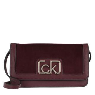 Calvin Klein - Umhängetasche - Clutch V Wine - in rot - für Damen