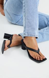 PrettyLittleThing - Black Toe Thong Extreme Square Toe Mid Block Heel Sandals, Black