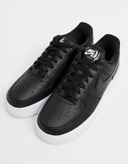 Nike - Air Force 1'07 – Sneaker in Schwarz und Weiß