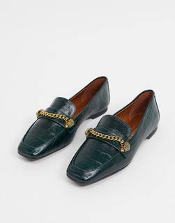 Kurt Geiger London - Camilla – Flache Schuhe mit Kettendetail und Kroko-Design in Dunkelgrün