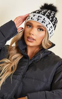 PrettyLittleThing - All Over Pom Pom Black Beanie, Black