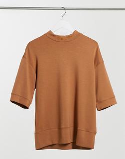 Sixth June - Lässiges T-Shirt mit überschnittenen Schultern & hohem Kragen, Kamel-Braun