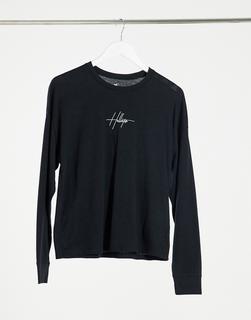 Hollister - Langärmliges T-Shirt mit gesticktem Logo vorne in Schwarz