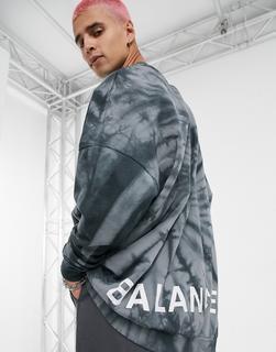 ASOS DESIGN - Extremes Oversized-Sweatshirt mit schwarz-grauem, gedrehtem Batikmuster und Balance-Aufdruck hinten