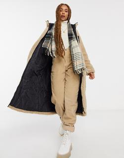 ASOS DESIGN - Langer Mantel aus Fleece mit Kapuze in Camel-Braun