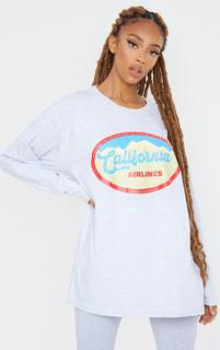 PrettyLittleThing - Grey California Airlines Printed Long Sleeve T Shirt, Grey