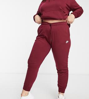 Nike - Plus – Essentials – Jogginghose in Burgunder-Violett