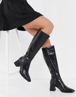 Vagabond - Hedda – Kniehohe Lederstiefel in Schwarz mit ausgestelltem Absatz