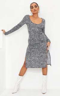 PrettyLittleThing - Petite White Long Sleeve Leopard Print Jersey Split Midi Dress, White