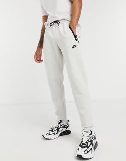 Nike - Tech–Fleece-Jogginghose in gebrochenem Weiß-Beige
