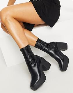 Truffle Collection - Schwarze Stiefel mit breitem Absatz