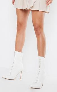 PrettyLittleThing - White PU Hook And Eye High Heel Sock Boot, White