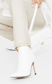 PrettyLittleThing - White Wide Fit Mid Heel Pointed Ankle Boots, White