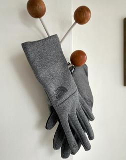 THE NORTH FACE - Etip – Handschuhe aus recyceltem Material in Grau