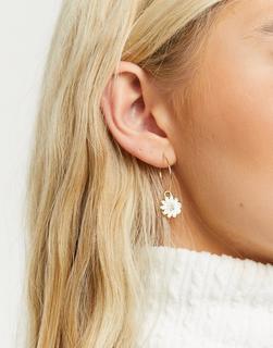 Monki - Li – Kreolen-Ohrringe mit Gänseblümchen-Anhänger in Gold