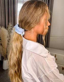 ASOS DESIGN - Haarband aus Sweatshirt-Stoff in Babyblau