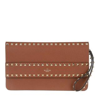 Valentino - Clutch - Rockstud Clutch Leather Selleria - in braun - für Damen