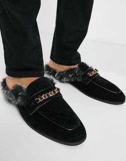 ASOS DESIGN - Hinten offene Loafer aus schwarzem Samt mit Metalldetail und Futter aus Kunstpelz