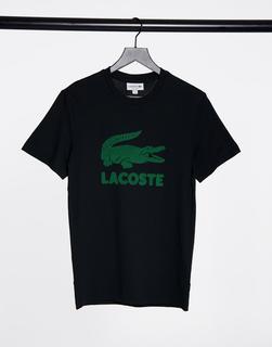 lacoste - T-Shirt mit großem Krokodil-Logo in Schwarz