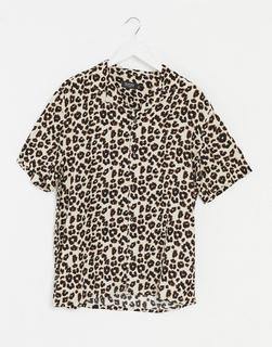 Burton Menswear - Kurzärmliges Hemd mit Leopardenmuster in Ecru-Braun