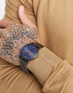 ASOS DESIGN - Uhr mit Netzstoffarmband aus grauem Edelstahl mit blauem Zifferblatt-Schwarz
