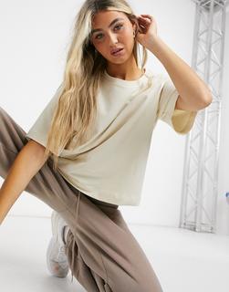 Weekday - Trish – Kastenförmig geschnittenes T-Shirt in Ecru-Beige