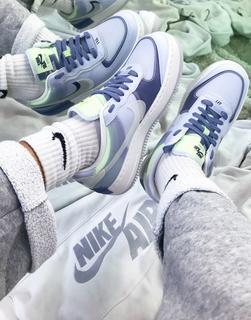 Nike - Air Force 1 Shadow – Sneaker in Weiß und Blau