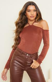 PrettyLittleThing - Brown Slinky Halterneck Long Sleeve Long Top, Brown