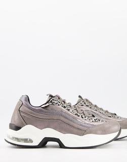 XTI - Geschnürte Sneaker mit klobiger Sohle in Grau