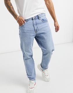 Bershka - Jeans in verwaschenem Blau mit geradem Bein in Vintage-Passform