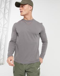 ASOS DESIGN - Langärmliges Shirt mit Rundhalsausschnitt in verwaschenem Grau