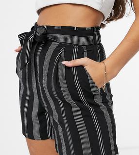 New Look Petite - Gestreifte Shorts mit hohem Bund-Schwarz