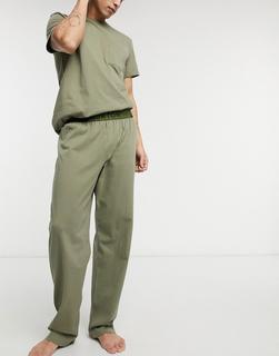 Burton Menswear - Loungewear-Set in Khaki aus T-Shirt mit Brusttasche und Jogginghose-Grün